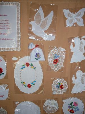 apróságok:Házi áldás, függönydísz, karácsonyfadísz, alátétek